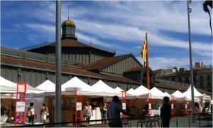 Carpes de venta directe dels oficis artesans més representatius de l'artesania catalana i de la italiana, com a p.convidat.